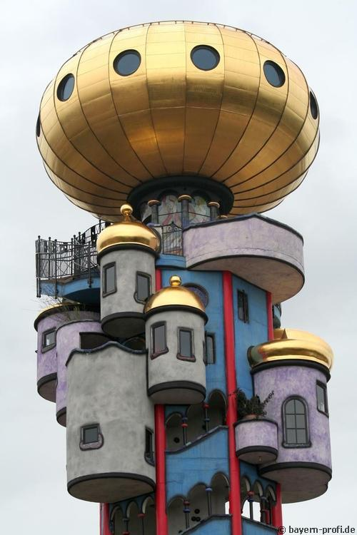 hundertwasserturm in abensberg bayern